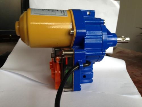 电动卷膜器